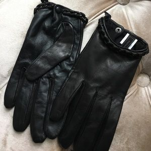 Bcbg black gloves