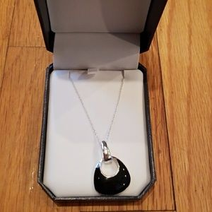 Jewelry - Necklace with pendent