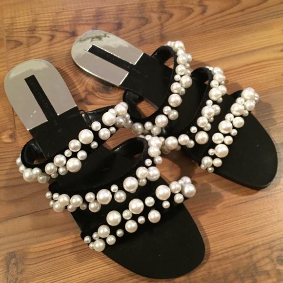 10eded596b7 ZARA Black velvet Pearl strappy flat sandals Sz 6