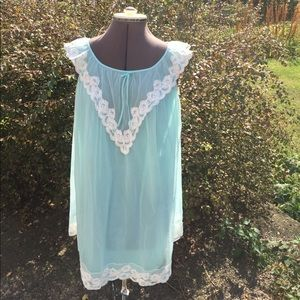 Vintage 60s Nightgown.