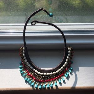 Jewelry - Pretty beaded collar with bead clasp