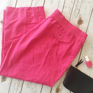 Nike casual cropped hot pink pants
