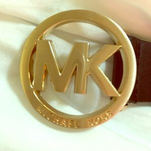 Black leather MICHAEL KORS belt. Size large