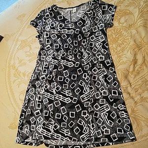 Black and white geo print dress