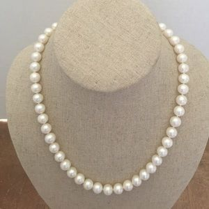 Jewelry - Necklace authentic Perls and Sterling 🦋