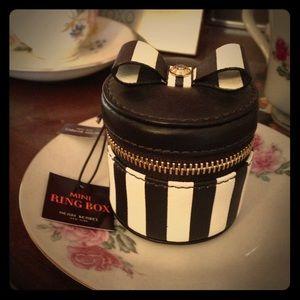Henri Bendel Mini Ring Box