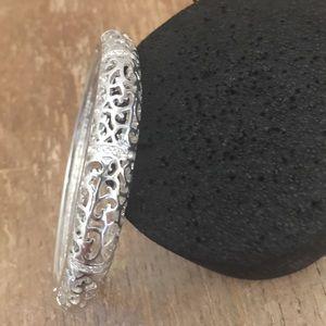 Jewelry - Bracelet silver tone 🦋