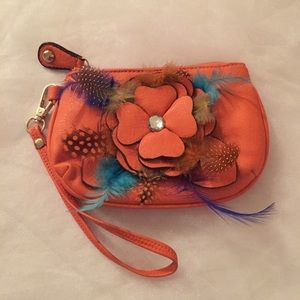 Darling fall wristlet