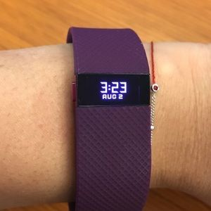 FITBIT Charge HR in Plum