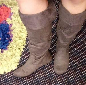 Grey Calf Leangth Boots