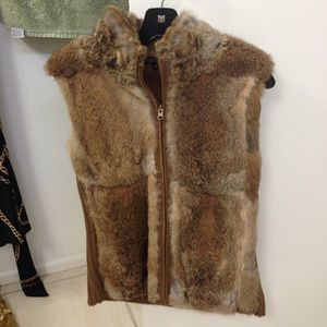 Karen Kane rabbit fur/sweater vest