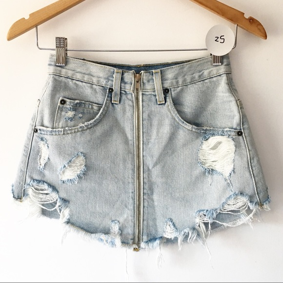 e572f07cf6d BNWT Carmar light wash zipper denim skirt