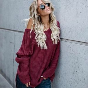 Sweaters - Burgundy Knitted sweaters