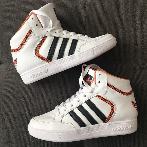 adidas Other - NEW Adida s Boys Orange   Black High Top Sneakers d93bfb2217