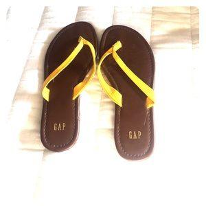 Gap brown leather sandal