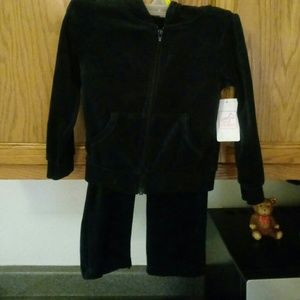 Other - Swiggers...2pc black jogging set.. 3T...unisex