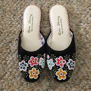NWOT vintage beaded slippers