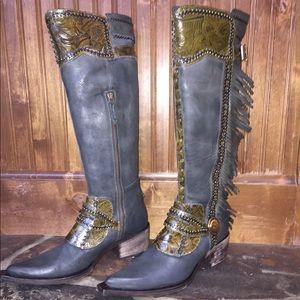 Donald J Pliner waxy khaki boots signature edition
