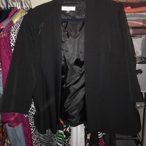 Jackets & Blazers - New with out tags line blazer