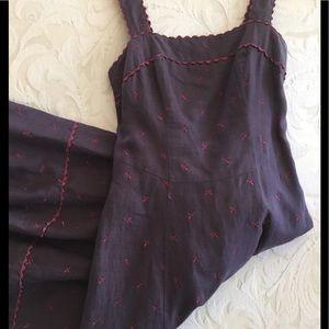 Dresses & Skirts - ❤️BOGO❤️ Fun and Flirty Swing Sundress!