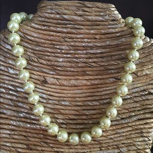 Jewelry - 🛍11.5mm Cream Color Sea Shell Pearl Necklace✨NEW✨