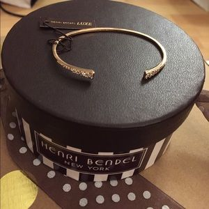 NWT Henri Bendel bracelet rose gold with crystals