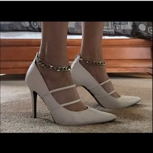 Paper fox white heels with detachable chain 8