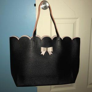 Handbags - Black leather large tote