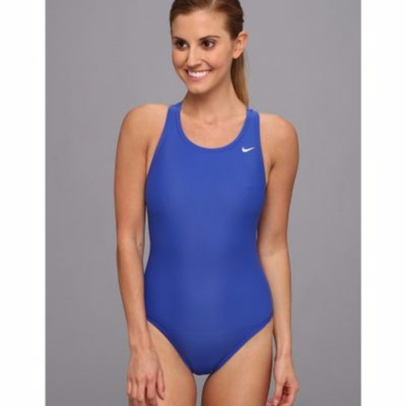 385a5451be7 Nike Women's Core Solid Fast Back Swimsuit 6 Blue