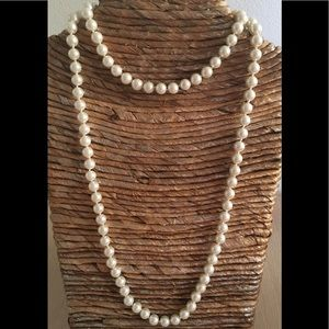Jewelry - 🎀✨NEW✨8mm White Sea Shell Pearl Necklace🎁
