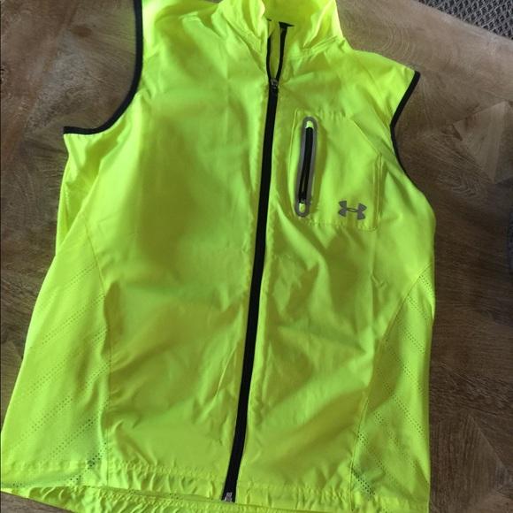 de6766204 SALE UnderArmour Running Vest, Neon Reflective.