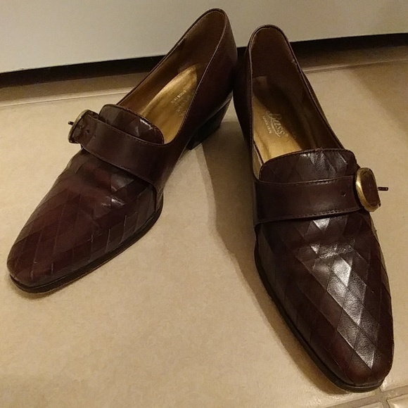 642b0ccf8033 G.H. Bass company Shoes - Vintage Bass leather loafers