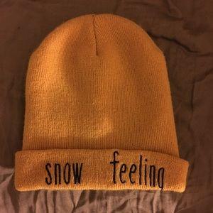 """""""Snow feeling"""" mustard hat"""
