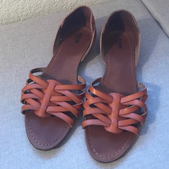 30079f6b0c8b Women s Flat Huarache Sandal from Target 🎯. M 59bdeb104127d0a176065511
