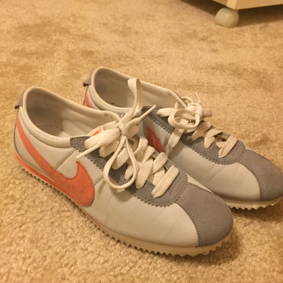 Nike Shoes | Gently Used Nike Cortez
