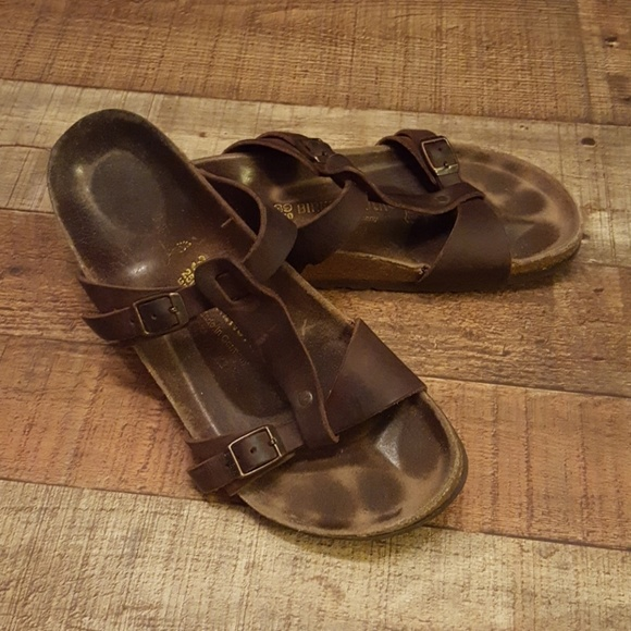 315ad8b85514 Birkenstock Shoes - ⚡SALE⚡Birkenstock Larisa - size 39 (womens 9)