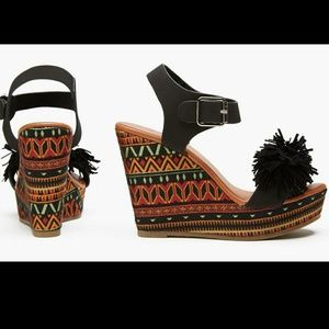 NIB Sociology Fringe tribal print Wedges