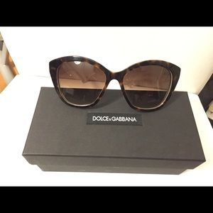 *NEW* DOLCE & GABBANA WOMEN CAT EYE SUNGLASSES