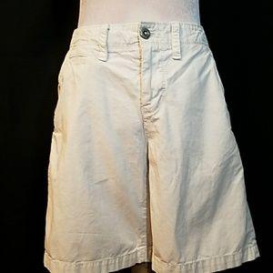 AMERICAN EAGLE Light tan/cream prep length shorts