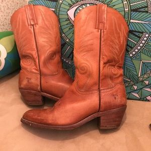 Gently Used Frye cowboy boots ladies size 10