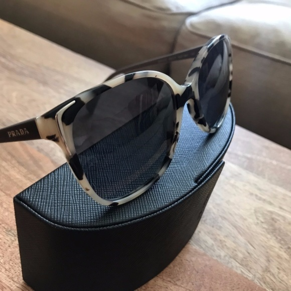 a854be8b8aaf Prada PR 01OS polarized tortoise cateye sunglasses.  M 59be4e71f0137d8a27070656