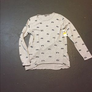 360 sweater nwt size Med