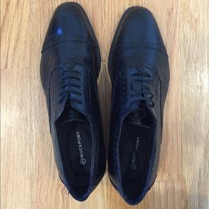 Rockport black leather cap toe shoes