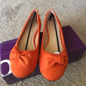 Brand new Ollio orange suede like flats. Size 7