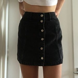 Mini black button up skirt✔️