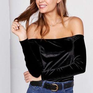 Off the shoulder velvet top! New never worn!!