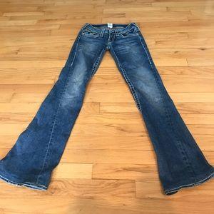 Gem pocket w/ white stitching true religion jeans