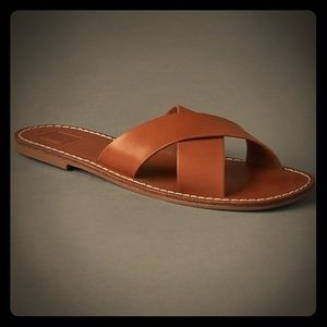 NWT GAP Crossover Leather Sandal