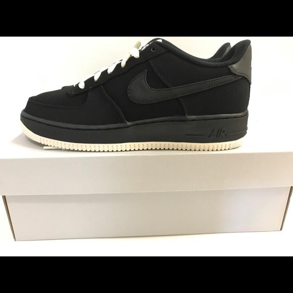 Nike Air Force 1 Low BLACK white BOTTOM sz 7Y