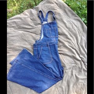💕 On Trend Old Navy Overalls 💕